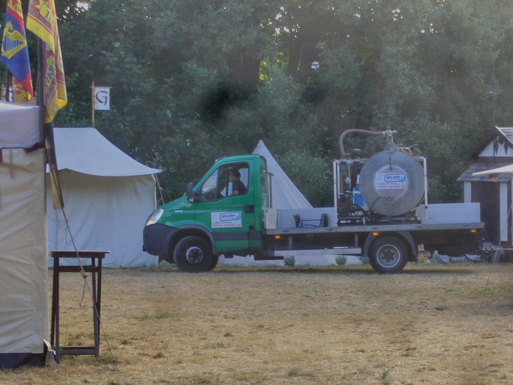 Sonntag-08-30-Tankfahrzeug.jpg